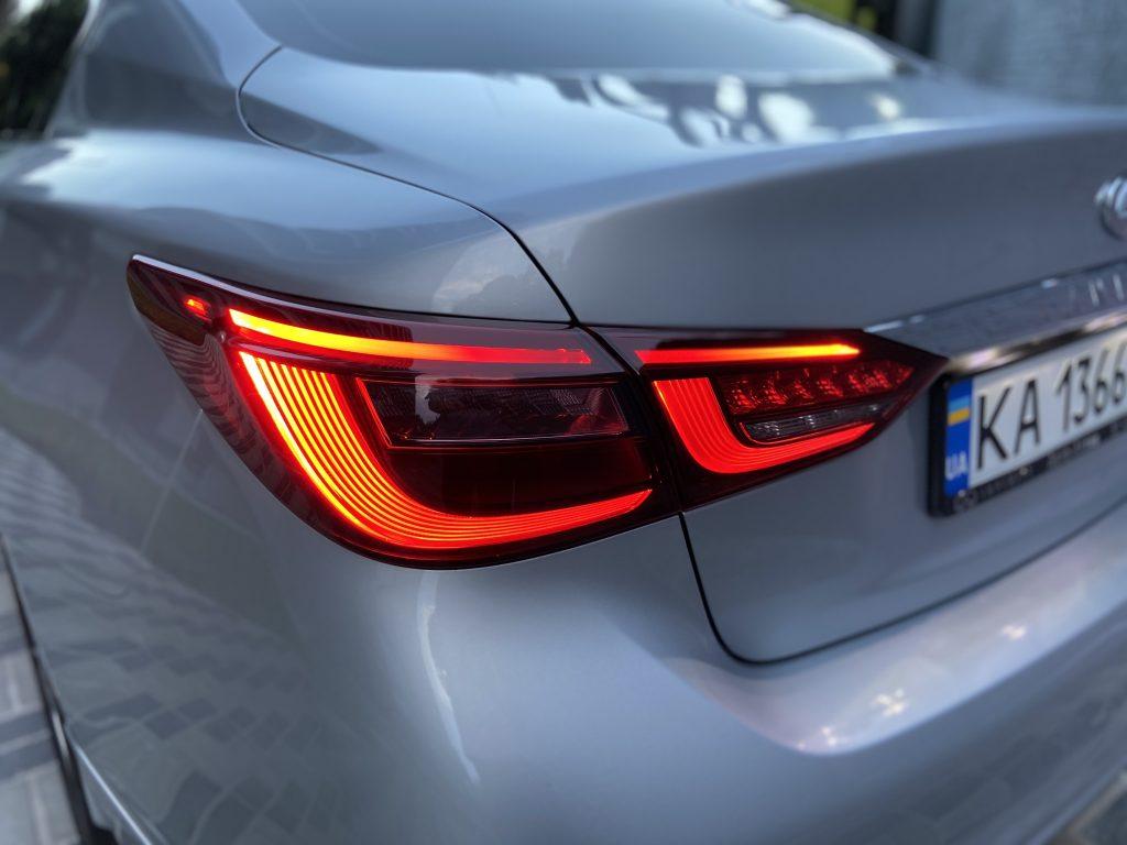 Infiniti Q50 Luxe Задний фонарь